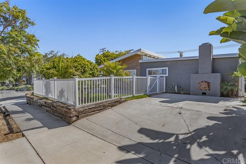 Photo of 1730 Fortuna Ave, San Diego, CA 92109 (MLS # 200031441)