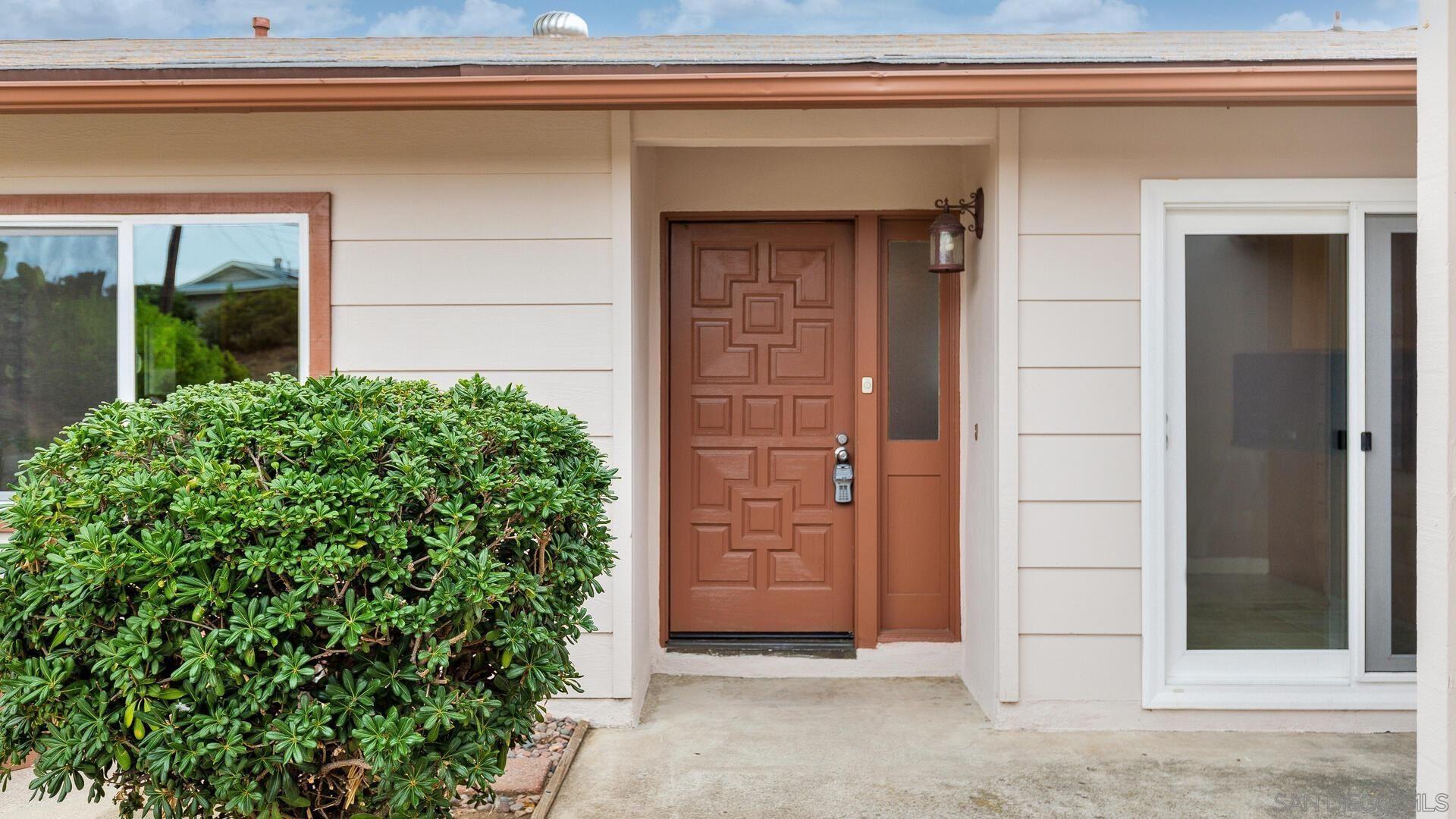 Photo of 13237 Ridgedale Dr, Poway, CA 92064 (MLS # 210028443)