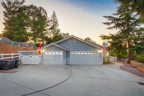 Photo of 2792 Blueberry Hl, Alpine, CA 91901 (MLS # 200046445)