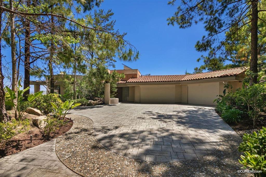 Photo of 17509 Via Loma Drive, Poway, CA 92064 (MLS # 200022446)