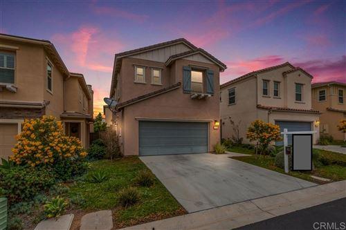 Photo of 1126 Savanna Ln, Vista, CA 92084 (MLS # 200028456)