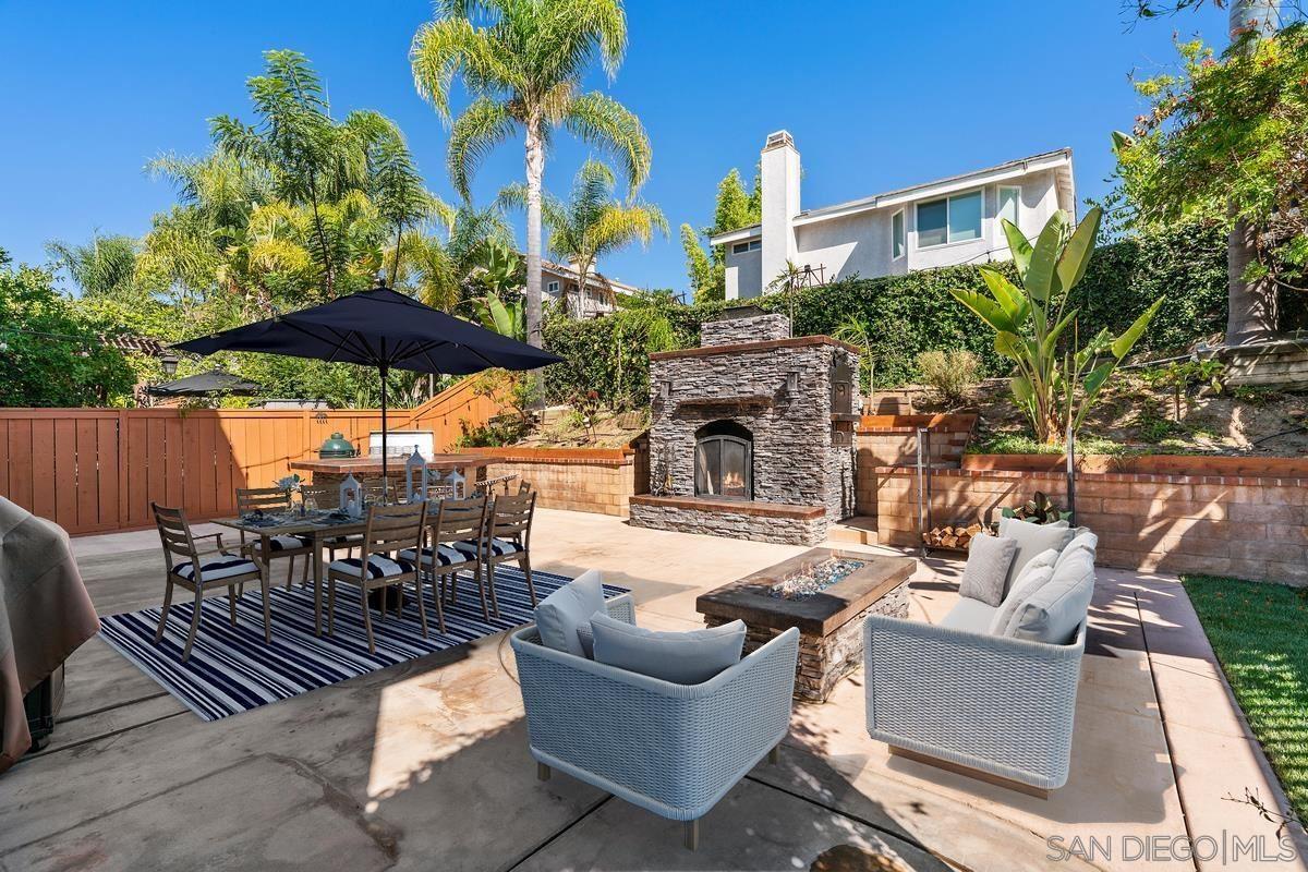 Photo of 11338 VILLAGE RIDGE RD, San Diego, CA 92131 (MLS # 210026461)