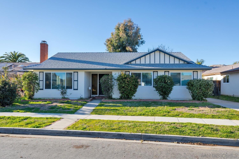 Photo of 2226 Montemar Ave, Escondido, CA 92027 (MLS # 210004464)
