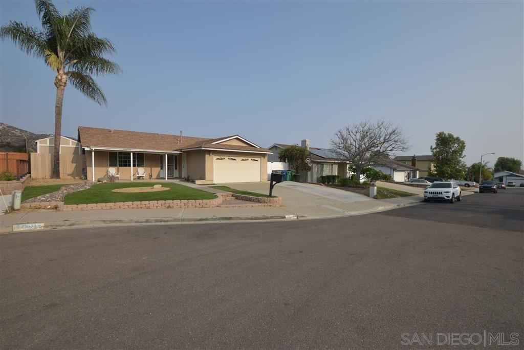 Photo of 10627 SANFRED COURT, SANTEE, CA 92071 (MLS # 200045465)