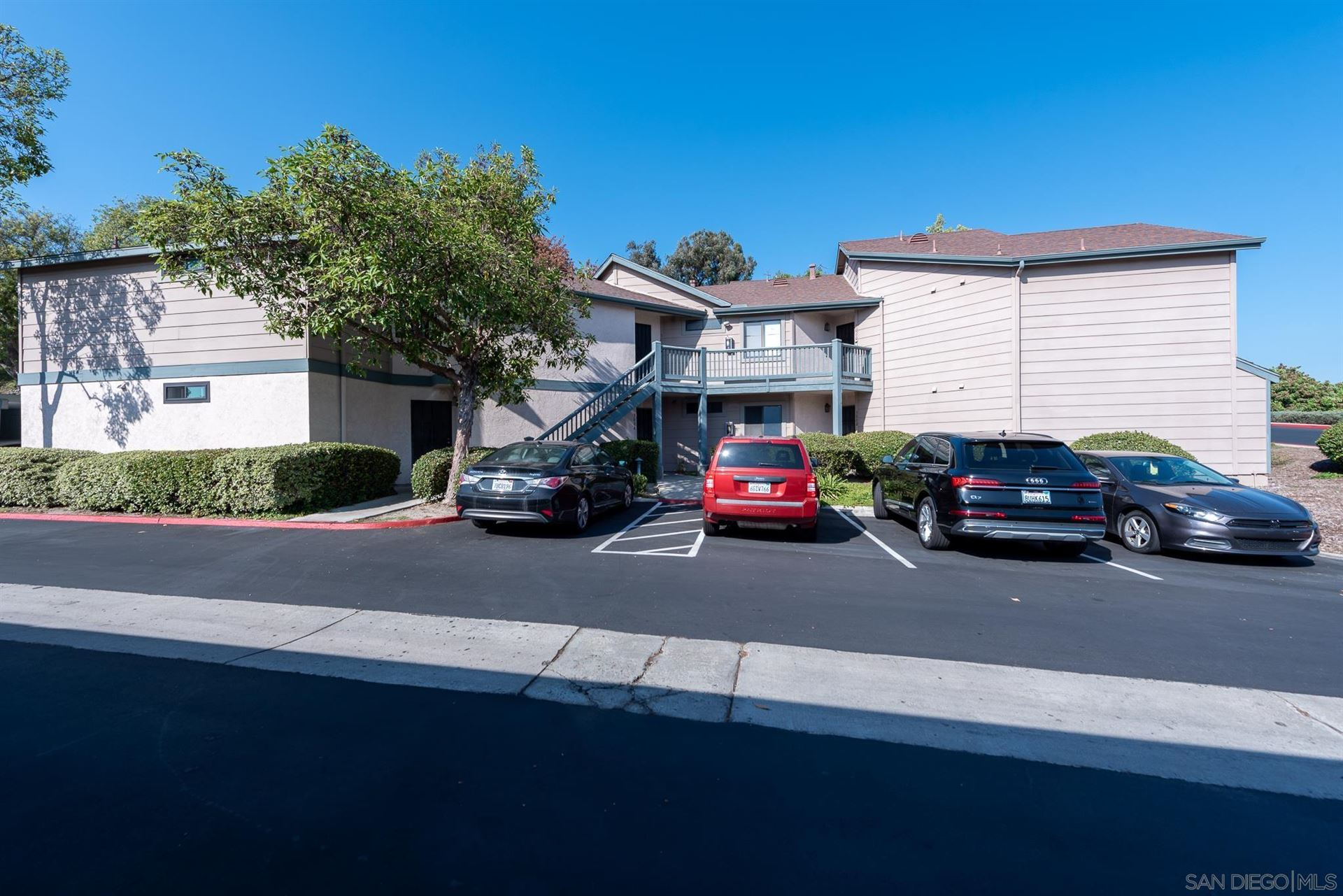 Photo of 3004 Blue Oak Ct, Spring Valley, CA 91978 (MLS # 210026465)