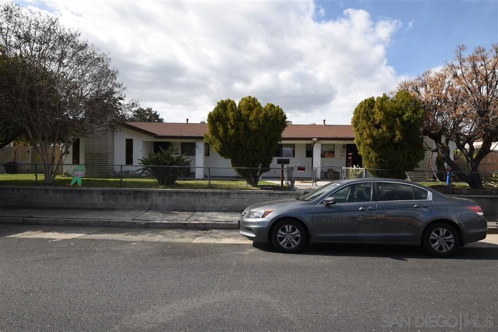 Photo of 762 - 764 GROSSMONT AVENUE, EL CAJON, CA 92020 (MLS # 200045469)