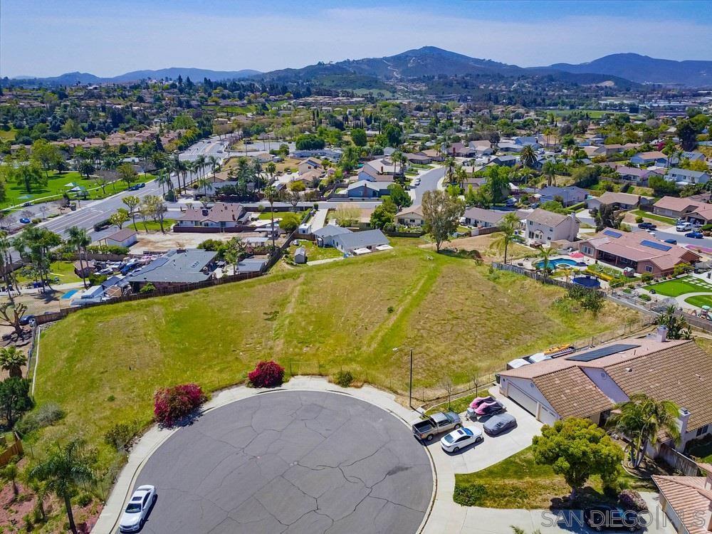 Photo of HASTINGS CT, SAN MARCOS, CA 92069 (MLS # 210009472)