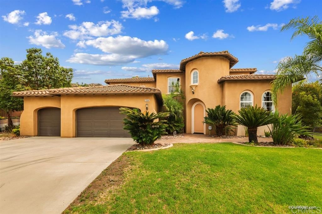 Photo of 2334 Carioca Pl, Vista, CA 92084 (MLS # 200044475)