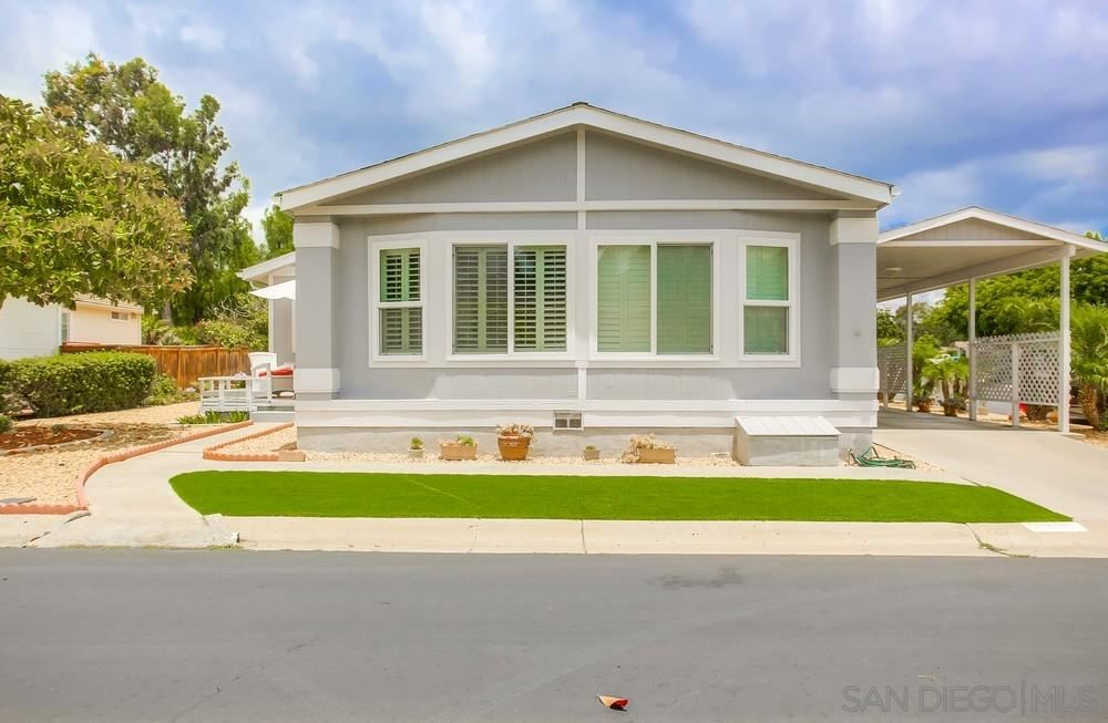 Photo of 1125 Cottontail Rd, Vista, CA 92081 (MLS # 200030481)