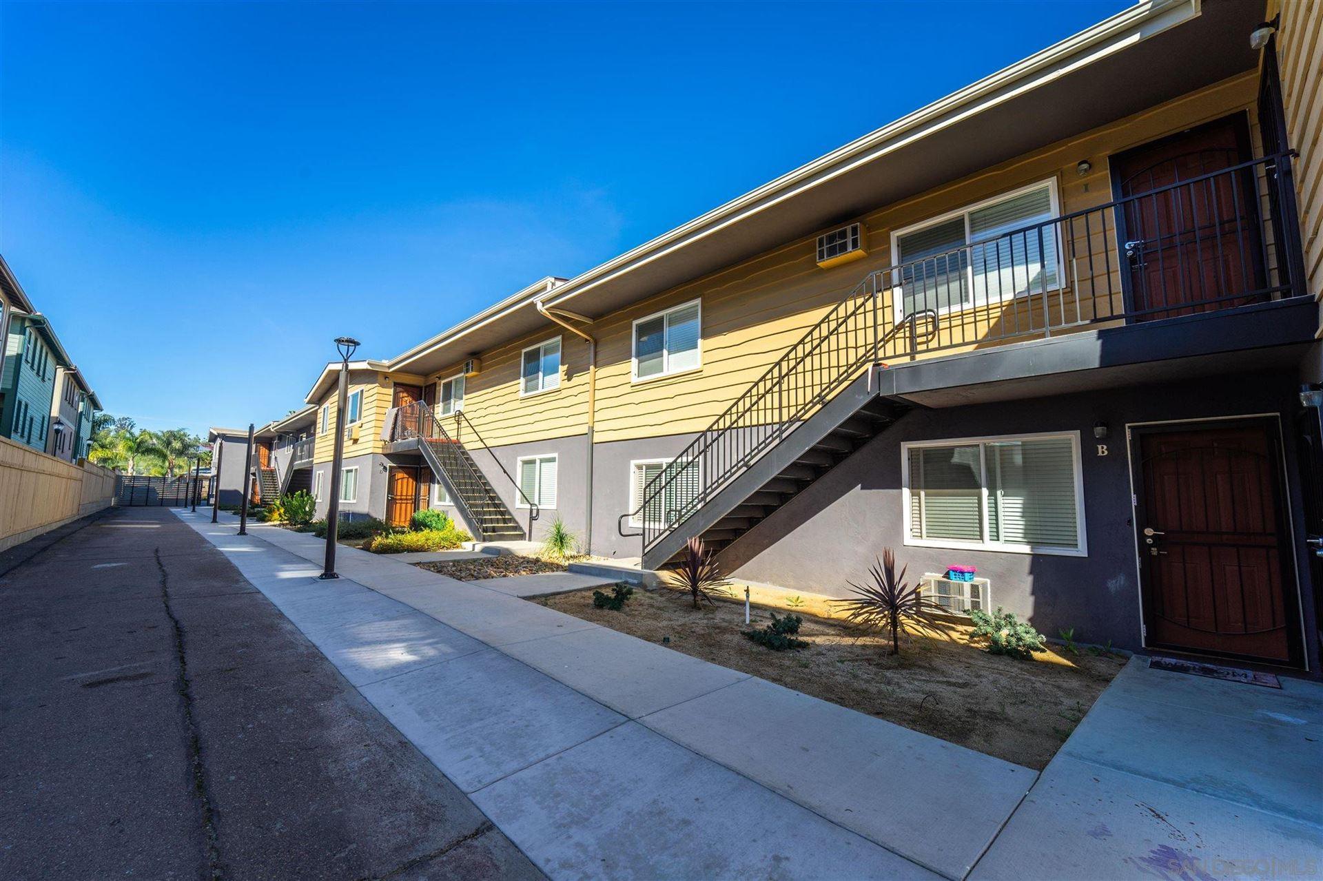 Photo of 424 Emerald Avenue, El Cajon, CA 92020 (MLS # 210017481)