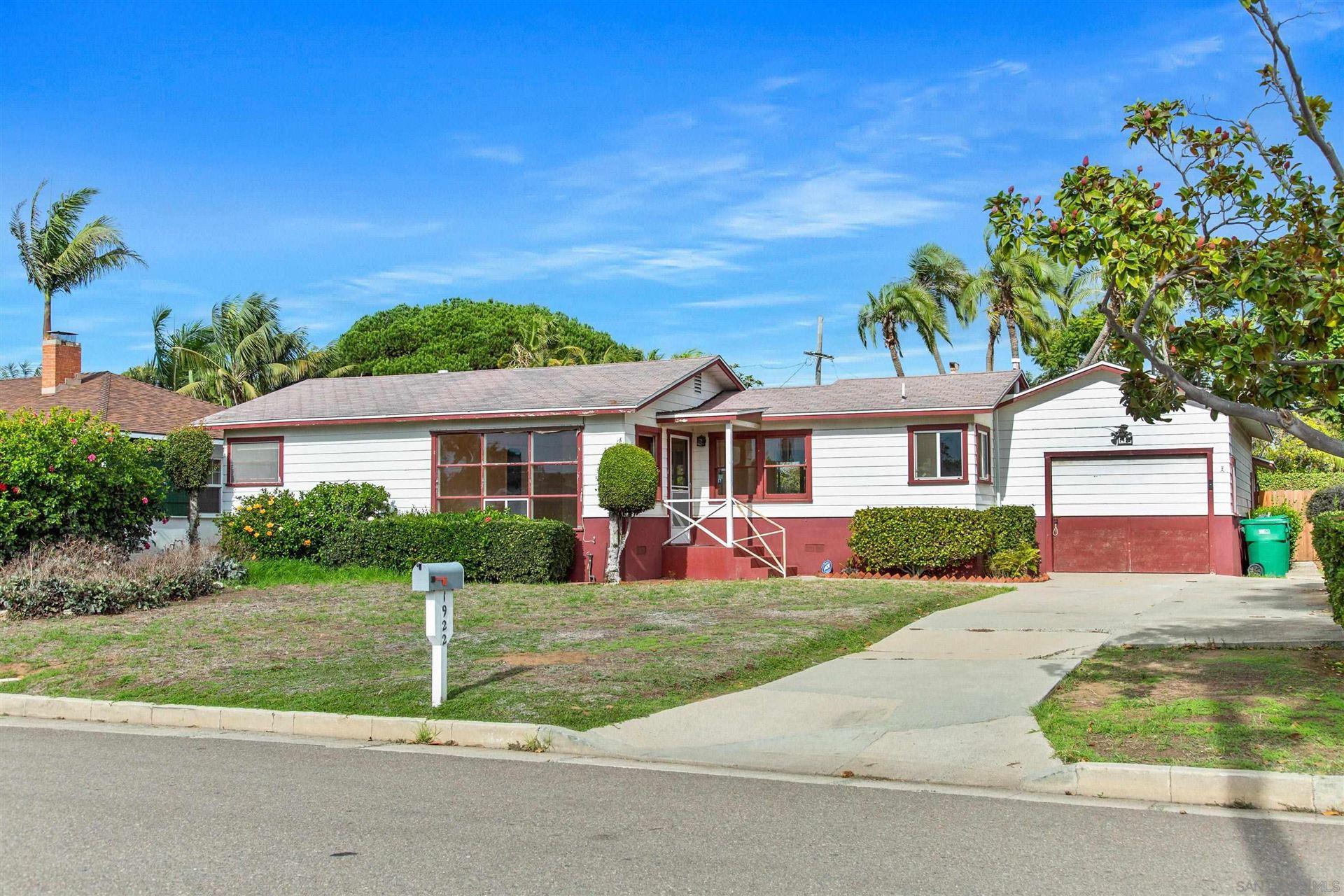 Photo of 1922 Lincoln St, Oceanside, CA 92054 (MLS # 210029482)
