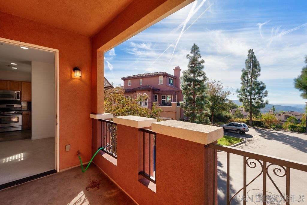 Photo of 1380 Sky Ridge Ct, San Marcos, CA 92078 (MLS # 200051487)