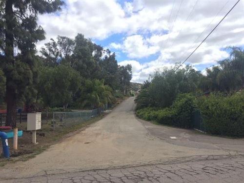 Photo of 435 Camino Calafia, San Marcos, CA 92069 (MLS # 200014489)