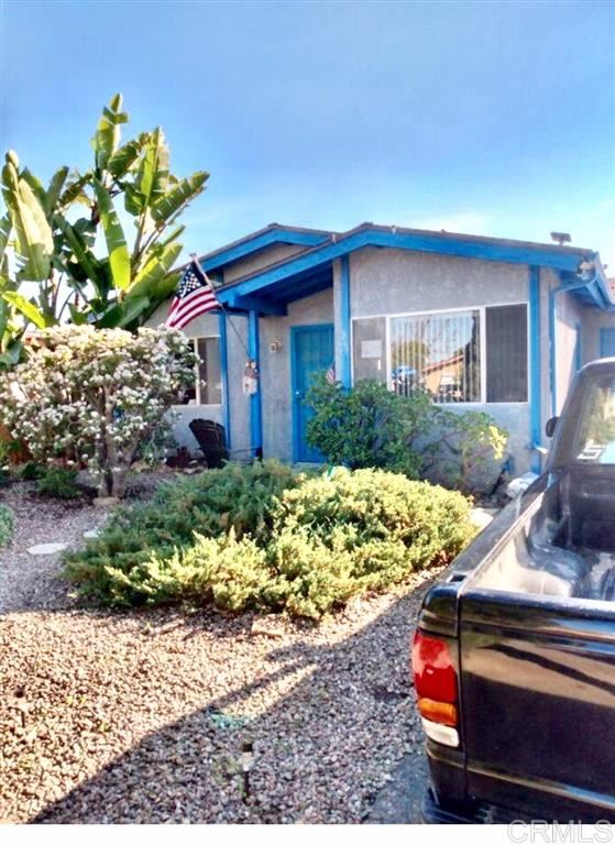 Photo of 867 Via Felicidad, Vista, CA 92084 (MLS # 200022492)