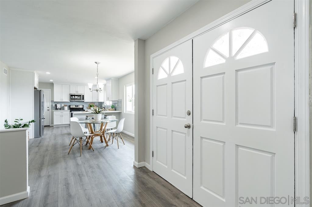Photo of 2444 Osborne Terrace, Vista, CA 92084 (MLS # 200040497)