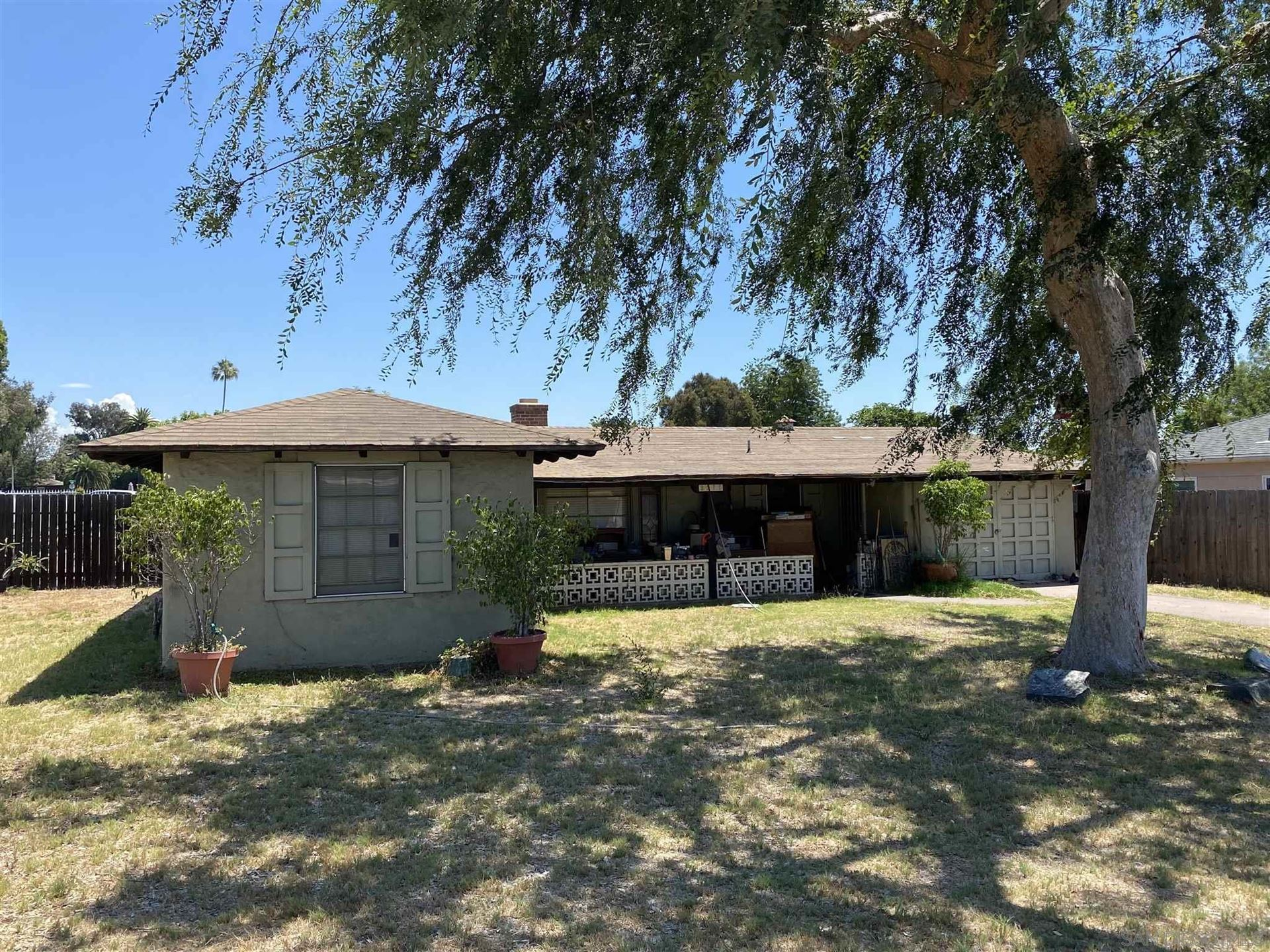 Photo of 3275 Acacia St, Lemon Grove, CA 91945 (MLS # 210021498)
