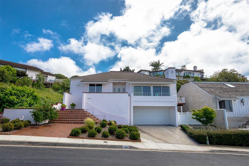 Photo of 7505 Caminito Avola, La Jolla, CA 92037 (MLS # 200030500)