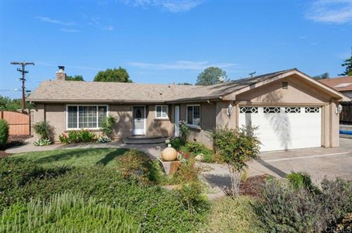 Photo of 952 Knoll Park, Fallbrook, CA 92028 (MLS # NDP2110510)
