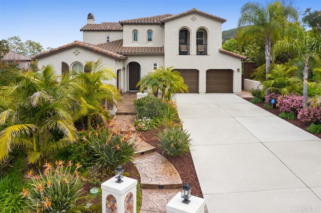 Photo of 999 Canyon Heights, San Marcos, CA 92078 (MLS # 200015512)