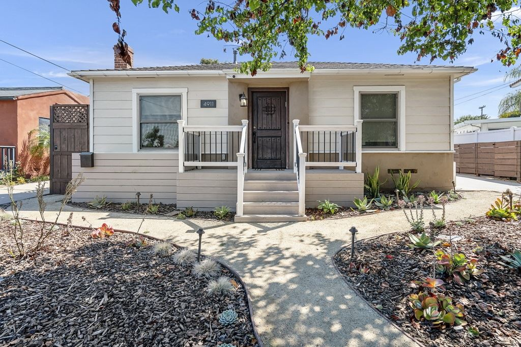 Photo for 4911 W Mountain View Dr, San Diego, CA 92116 (MLS # 200036526)