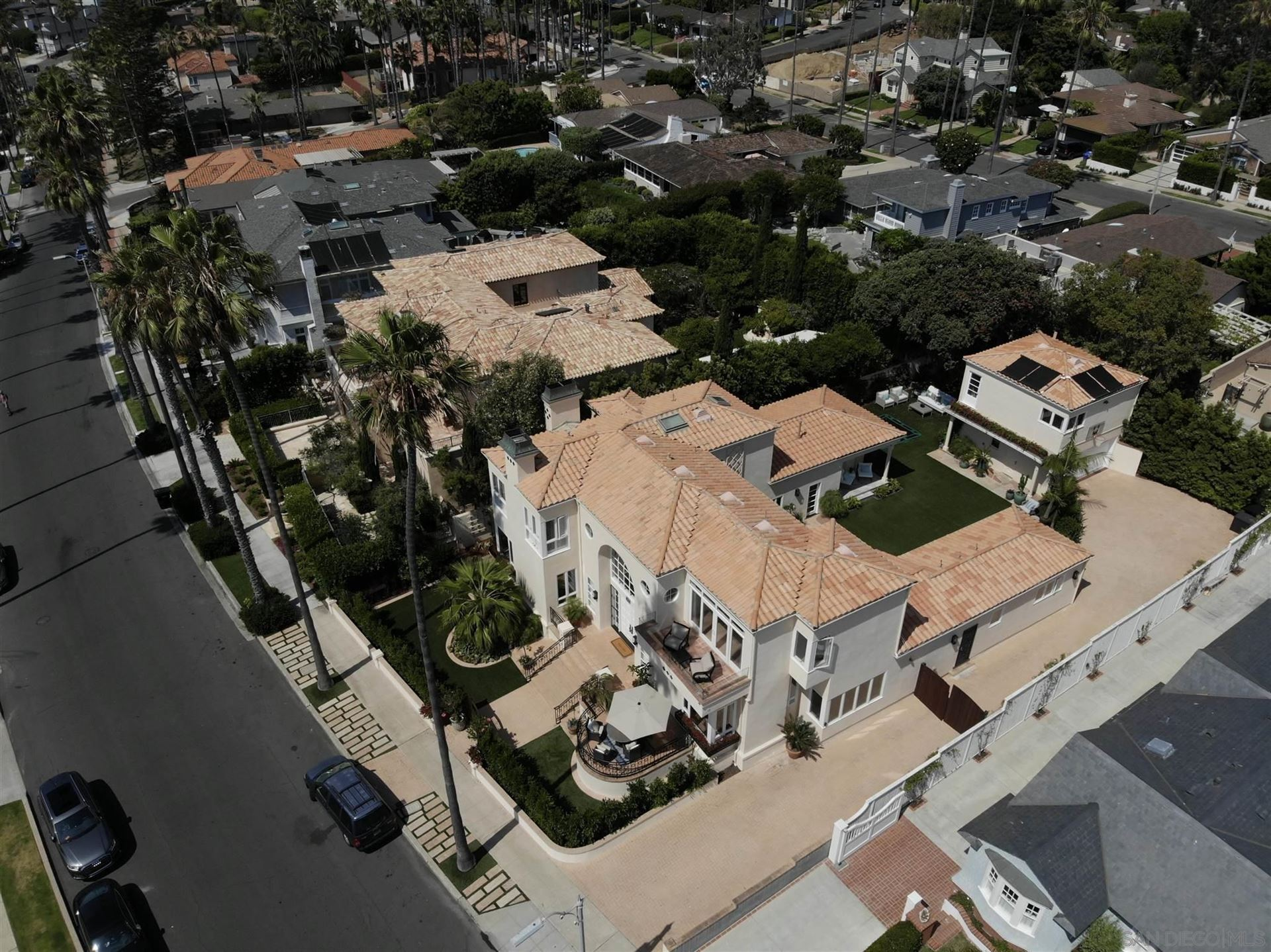 Photo of 6331 Camino De La Costa, La Jolla, CA 92037 (MLS # 210018526)
