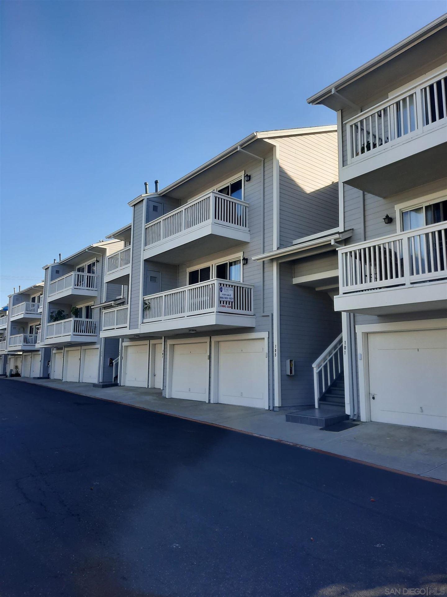 Photo of 105 Mangano Circle, Encinitas, CA 92024 (MLS # 210026538)