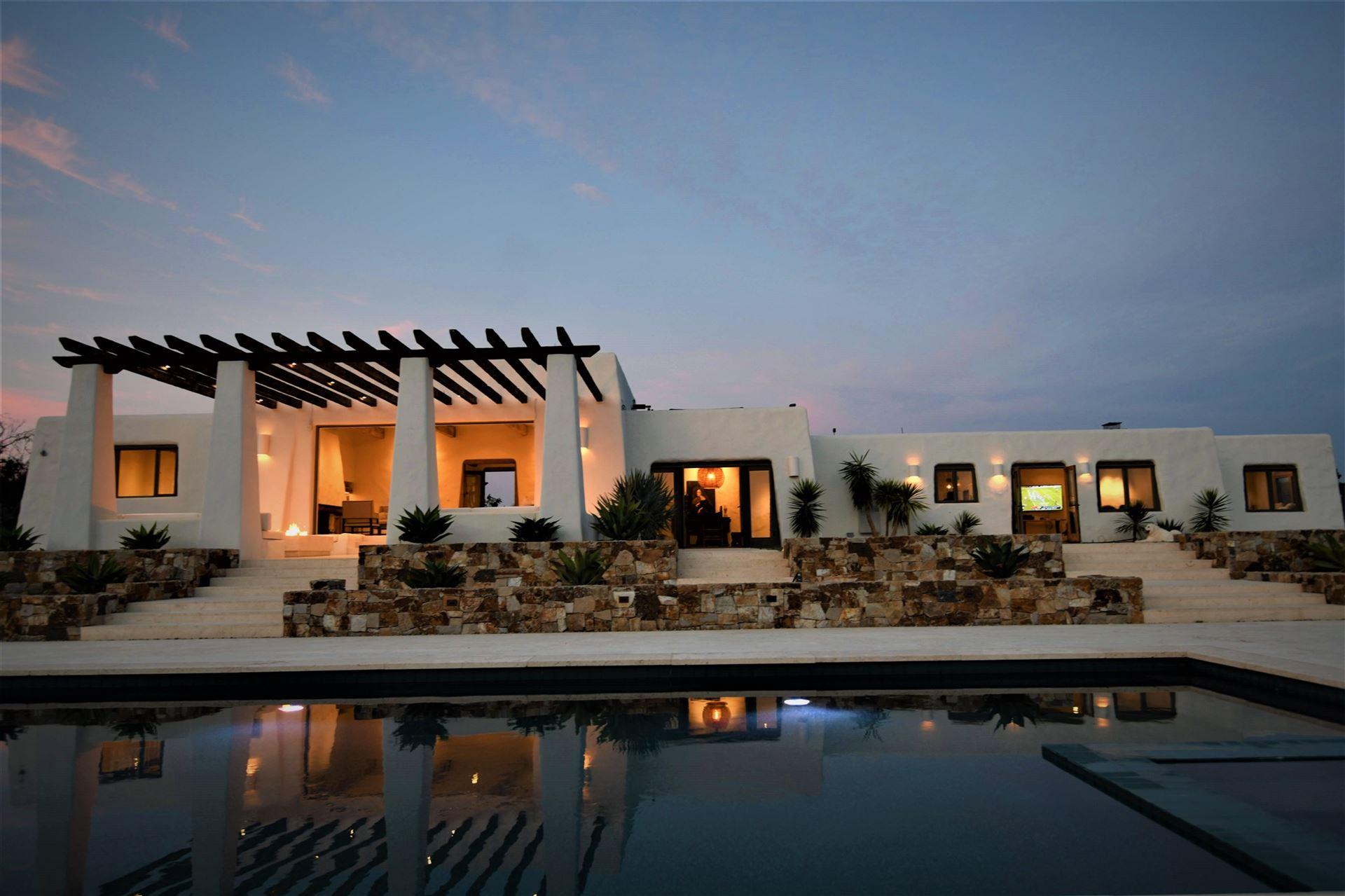 Photo of 4810 Linea Del Sol, Del Mar, CA 92014 (MLS # 200049545)