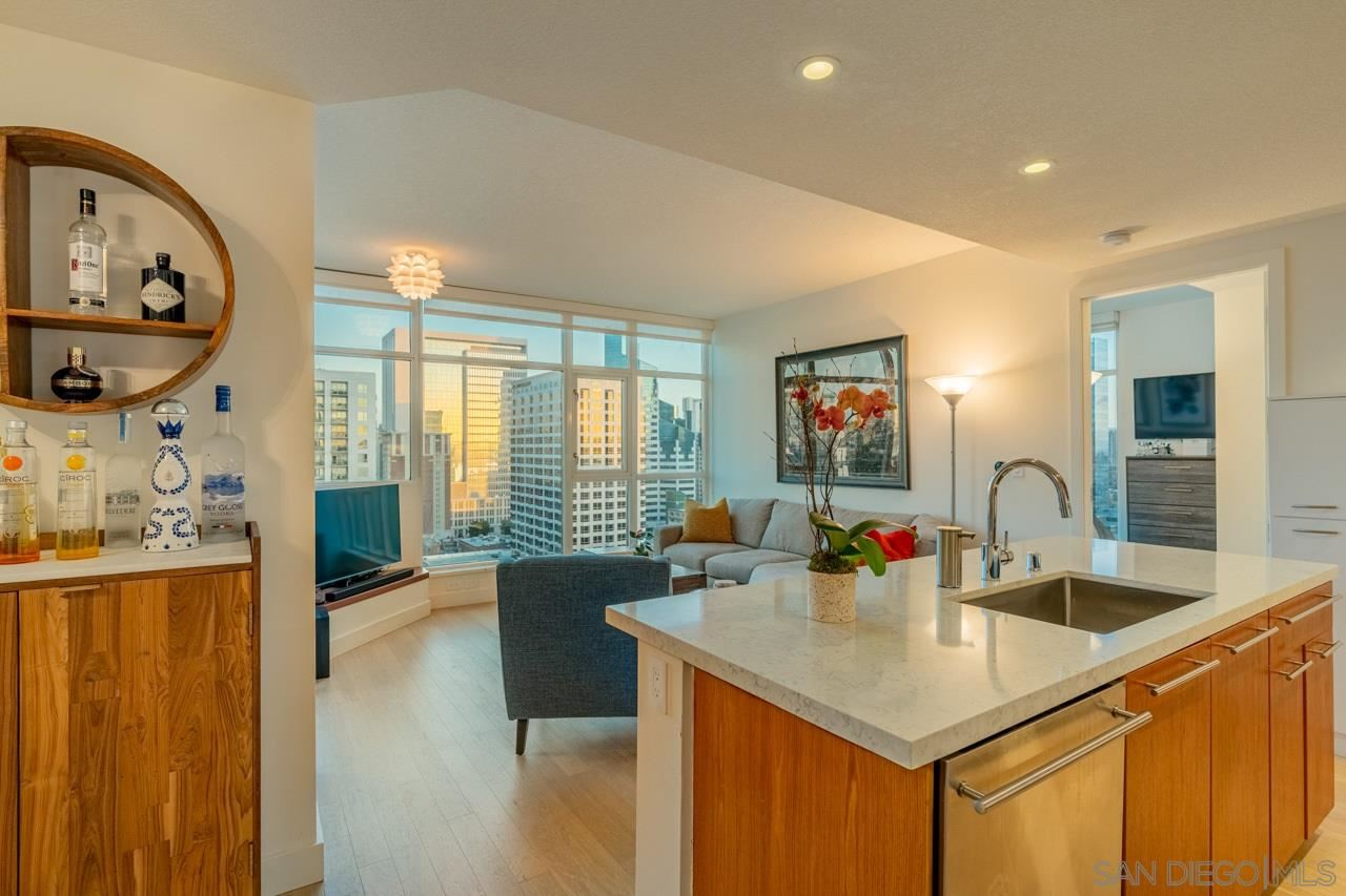 Photo for 1205 Pacific Hwy #2104, San Diego, CA 92101 (MLS # 210003545)