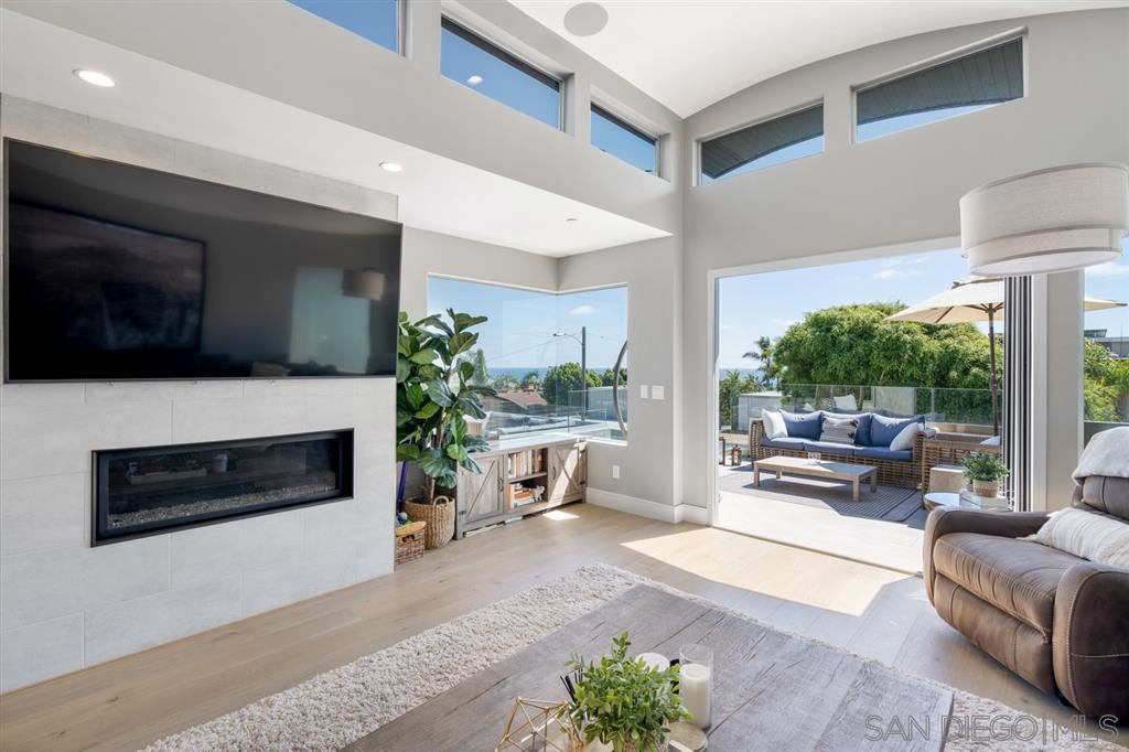 Photo of 2331 Cambridge Ave, Cardiff by the Sea, CA 92007 (MLS # 200032549)
