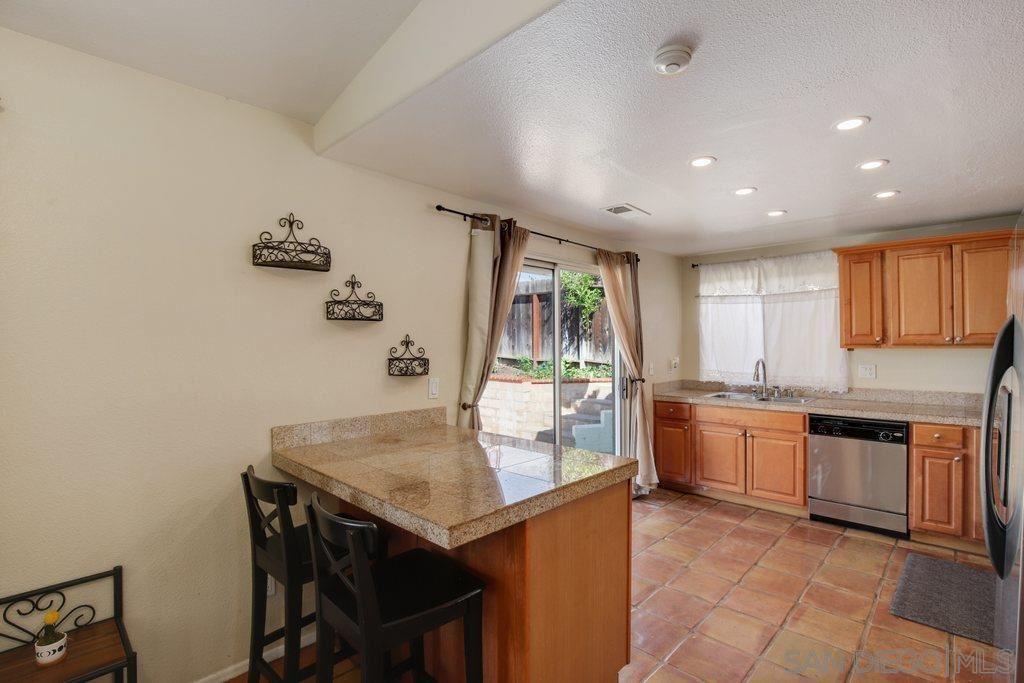 Photo of 324 Womack Ln, Fallbrook, CA 92028 (MLS # 210027555)