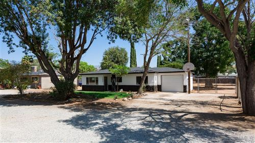 Photo of 13849 York Ave, Poway, CA 92064 (MLS # 210026556)