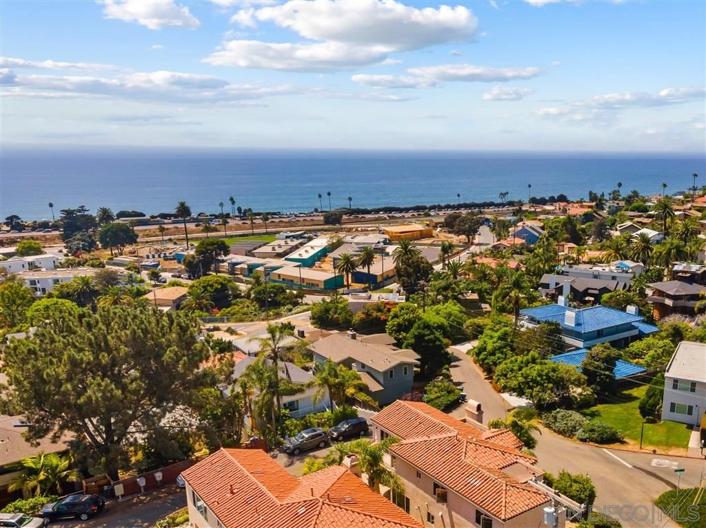 Photo of 345 Stafford Ave, Cardiff By The Sea, CA 92007 (MLS # 200041556)