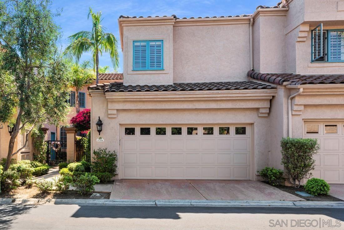Photo of 3758 Paseo Vista Famosa, Rancho Santa Fe, CA 92091 (MLS # 210020556)