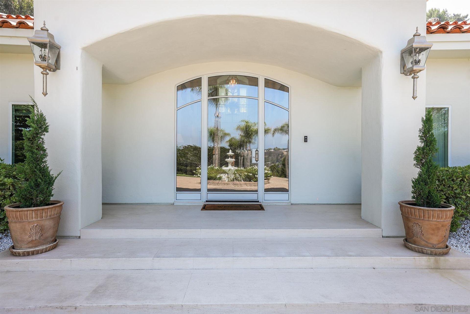 Photo of 4540 Los Pinos, Rancho Santa Fe, CA 92067 (MLS # 210025557)