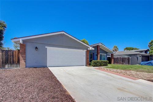 Photo of 635 Elizabeth St, San Marcos, CA 92069 (MLS # 200037558)