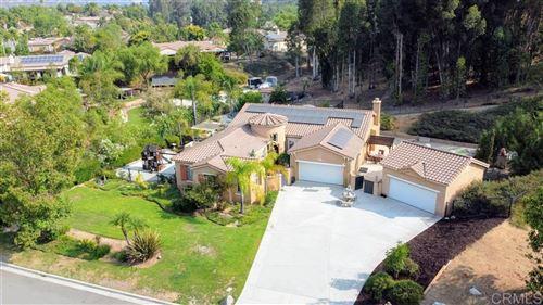 Photo of 26161 Wyndemere Ct, Escondido, CA 92026 (MLS # 200045558)