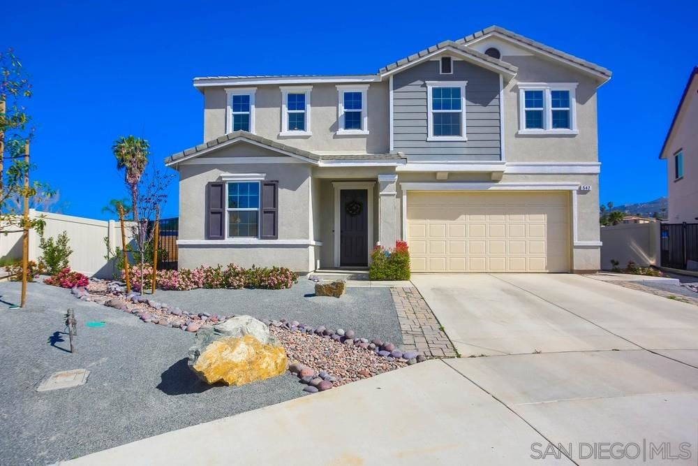 Photo of 542 Bridle Place, Escondido, CA 92026 (MLS # 210009559)