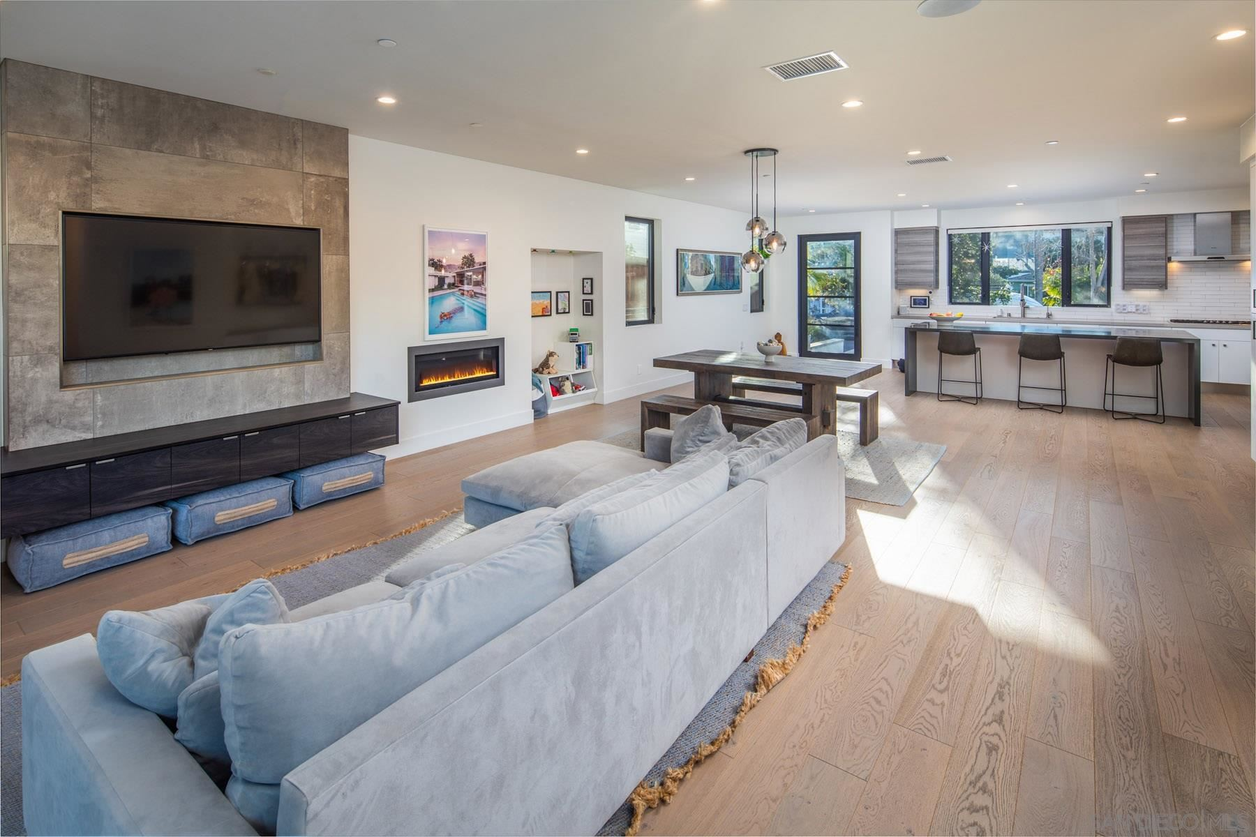 Photo of 307 La Mesa Ave, Encinitas, CA 92024 (MLS # 200054571)
