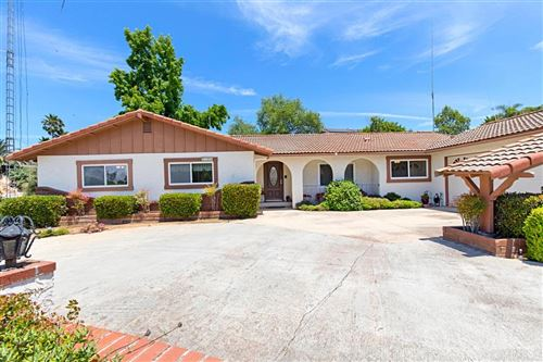Photo of 1211 Via De Maranatha, Fallbrook, CA 92028 (MLS # 200029578)