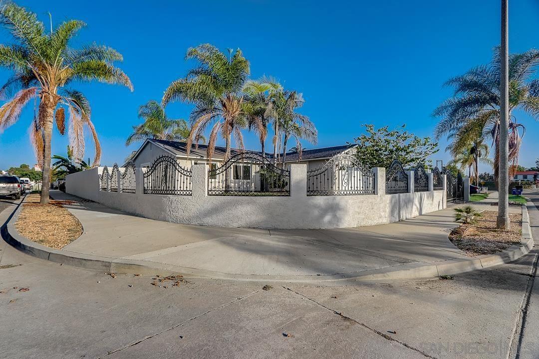 Photo of 5180 E Parker St, Oceanside, CA 92057 (MLS # 210028579)