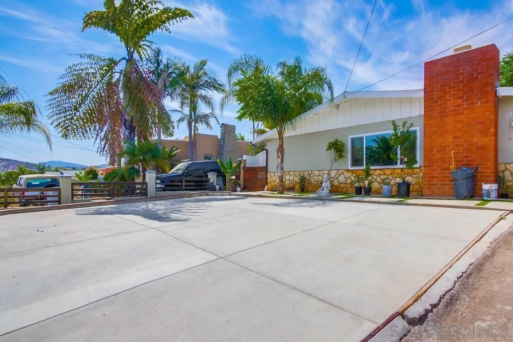 Photo of 12907 Julian Ave., LAKESIDE, CA 92040 (MLS # 210017586)
