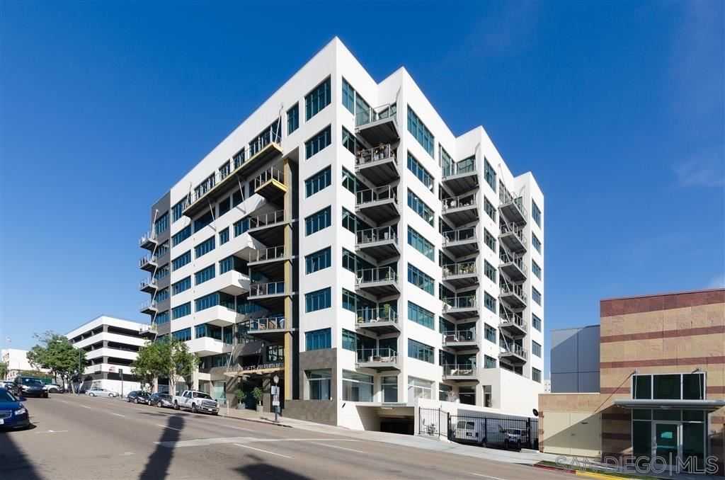 Photo for 1551 4Th Ave #504, San Diego, CA 92101 (MLS # 200036589)