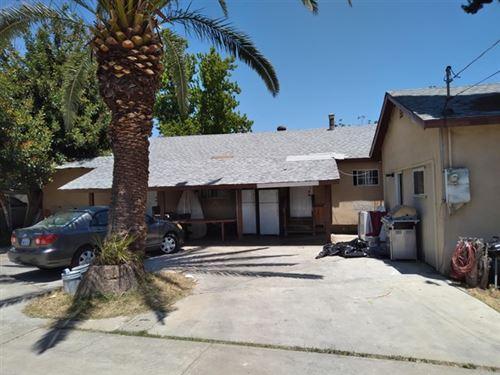 Photo of 950 E Washington Avenue, Escondido, CA 92025 (MLS # PTP2103592)