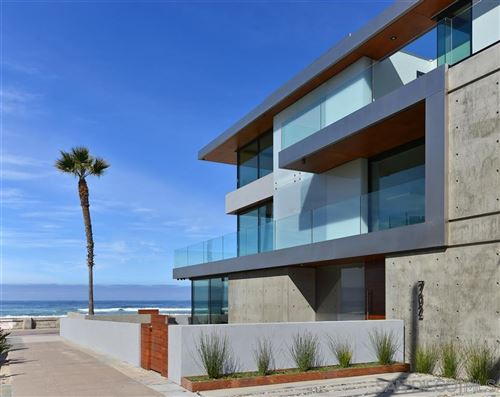 Photo of 702 Jersey Court/Ocean Front Walk, San Diego, CA 92109 (MLS # 200021594)