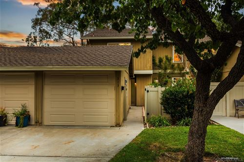 Photo of 313 Countrywood Ln, Encinitas, CA 92024 (MLS # 210019595)