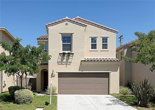 Photo of 2073 White Alder Ln, Vista, CA 92084 (MLS # 200037600)