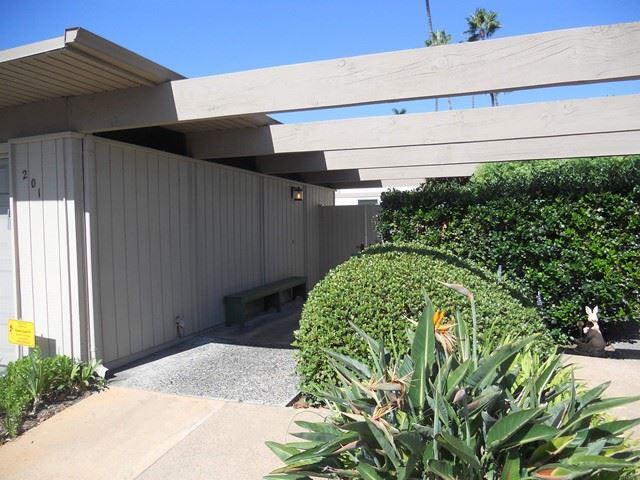 Photo of 201 Via Osuna, Rancho Santa Fe, CA 92091 (MLS # NDP2110604)