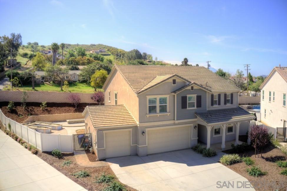 Photo of 635 Stirrup Way, Escondido, CA 92026 (MLS # 210008605)