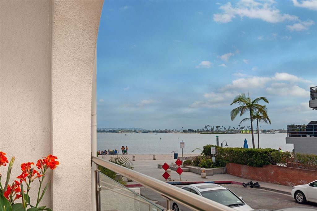 Photo of 4007 Everts St #1A, San Diego, CA 92109 (MLS # 200029617)