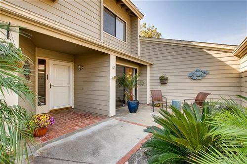 Photo of 1059 BREWLEY Ln, Vista, CA 92081 (MLS # 200030624)